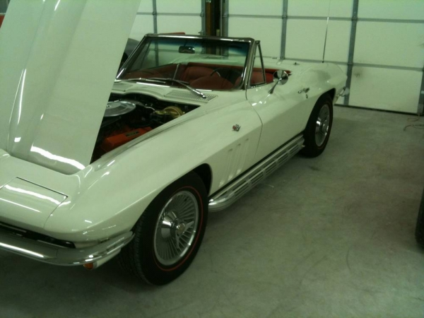 1965 Ermine White and Red