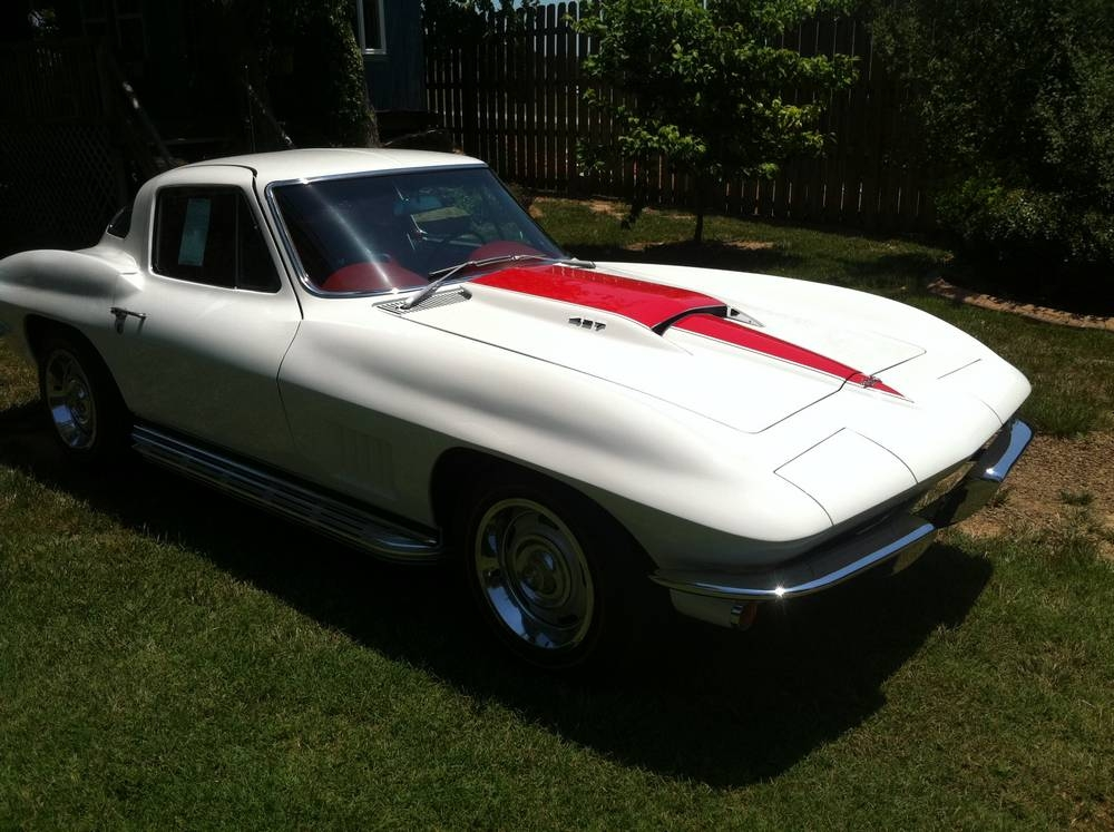 1967 Ermine White on Red